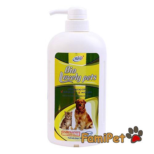 sữa tắm cho mèo Ba Tư